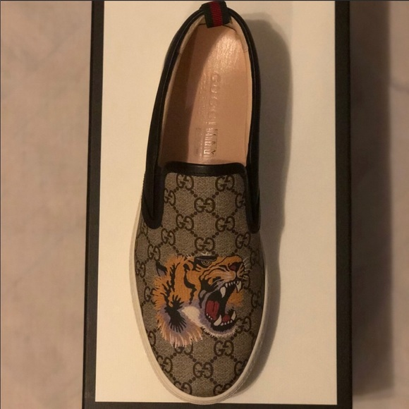 6a646663baff Gucci Other - Gucci Men Supreme Tiger Slide on Sneakers